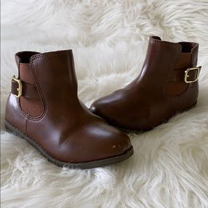 Brown ankle boots size 8